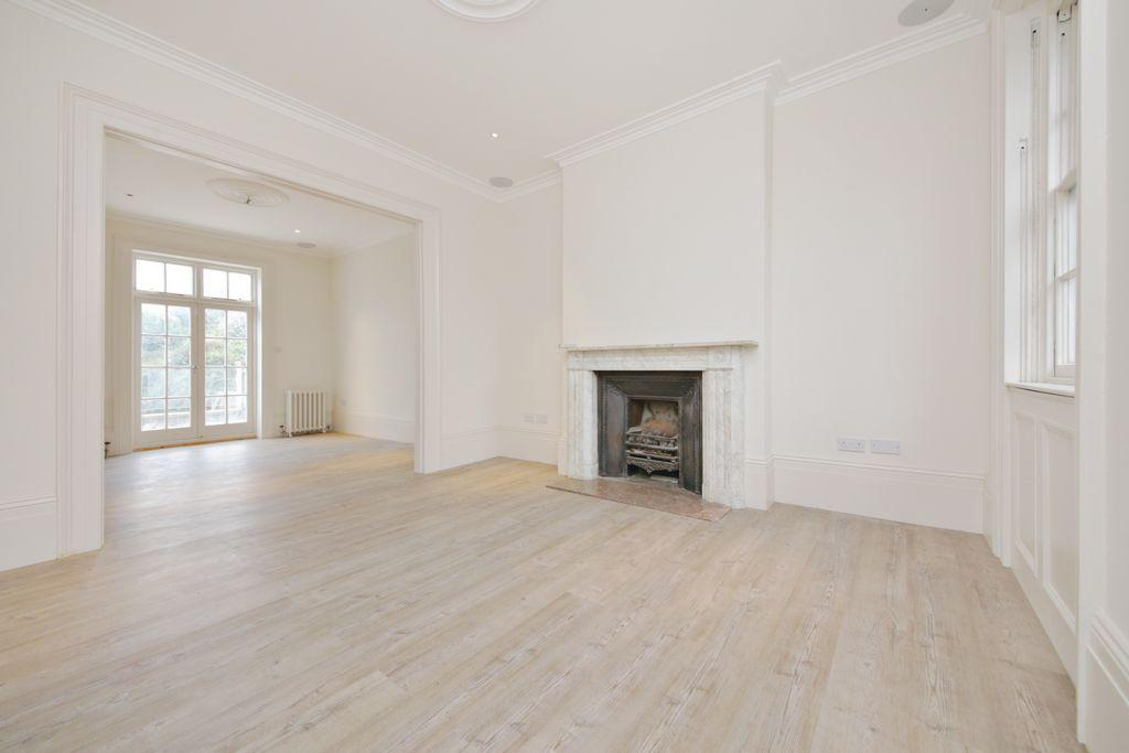 4 Bedrooms House for sale in Haverstock Hill, Belsize Park, NW3