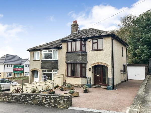 3 Bedrooms Semi Detached House for sale in 42 Clough Avenue, Steeton BD20 6SH