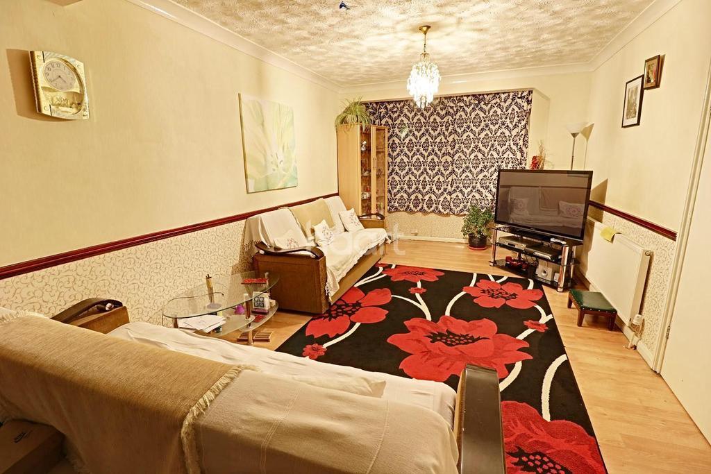 4 Bedrooms Terraced House for sale in Dagenham Village