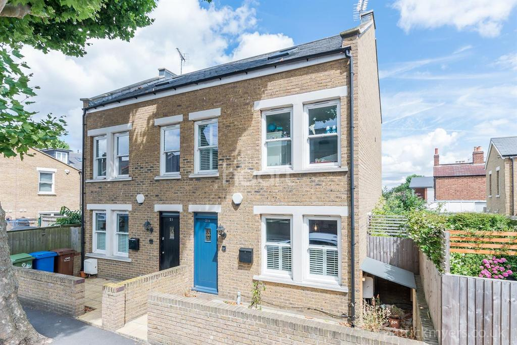 3 Bedrooms End Of Terrace House for sale in Inverton Road, Nunhead, London,SE15