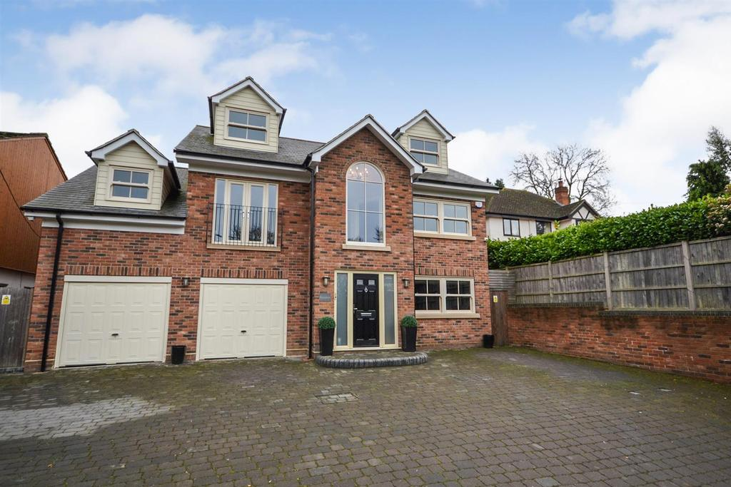 5 Bedrooms Detached House for sale in Riffhams Lane, Danbury