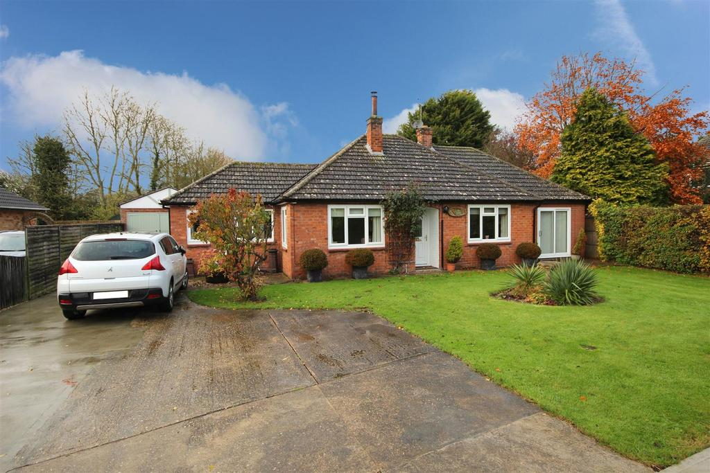 2 Bedrooms Detached Bungalow for sale in Rhoswin, Main Road, Maltby Le Marsh