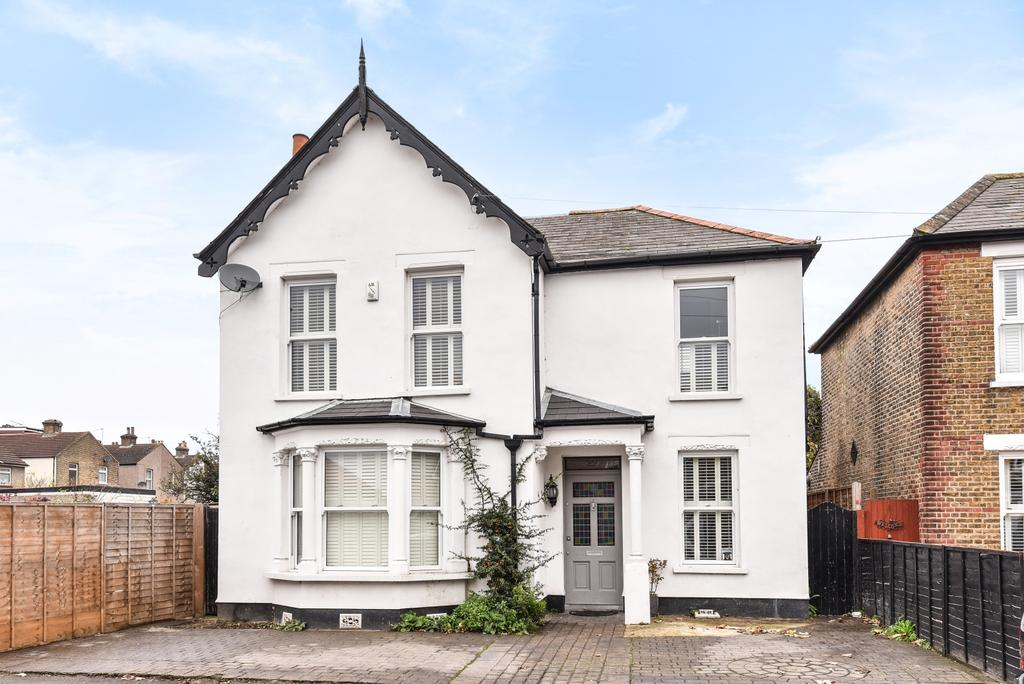 6 Bedrooms Detached House for sale in Freta Road Bexleyheath DA6