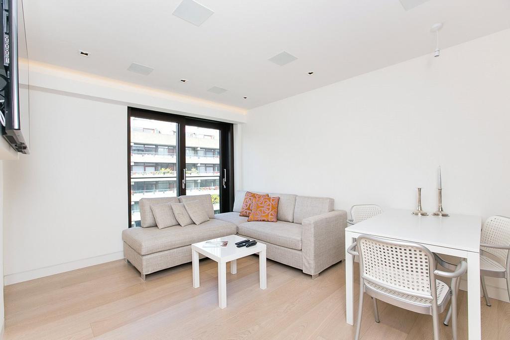 2 Bedrooms Flat for sale in Roman House, Wood Street, London, EC2Y