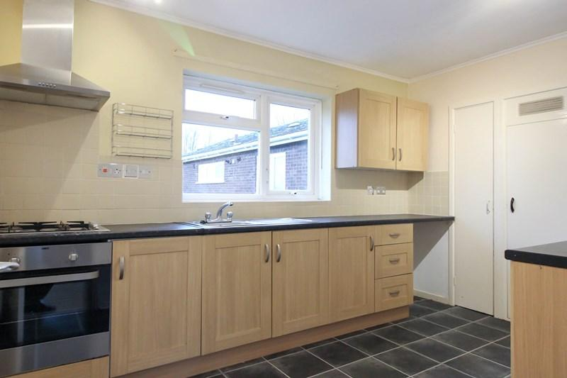 2 Bedrooms Flat for sale in Dolphin Grove, Norwich