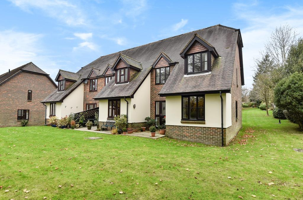 2 Bedrooms End Of Terrace House for sale in Rosemary Court, Church Road, Haslemere, GU27