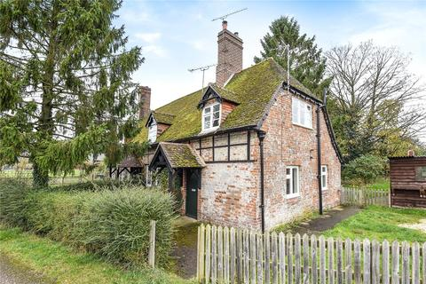 3 bedroom semi-detached house to rent - Old Cottages, Warren Farm, Andover Road, Winchester, SO21