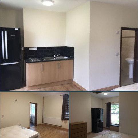 Studio to rent - Prince Street, Madeley TF7