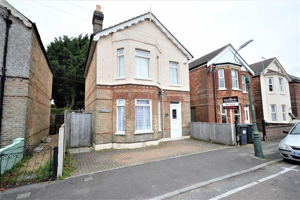 3 Bedrooms Detached House for sale in Parker Road, Bournemouth, BH9