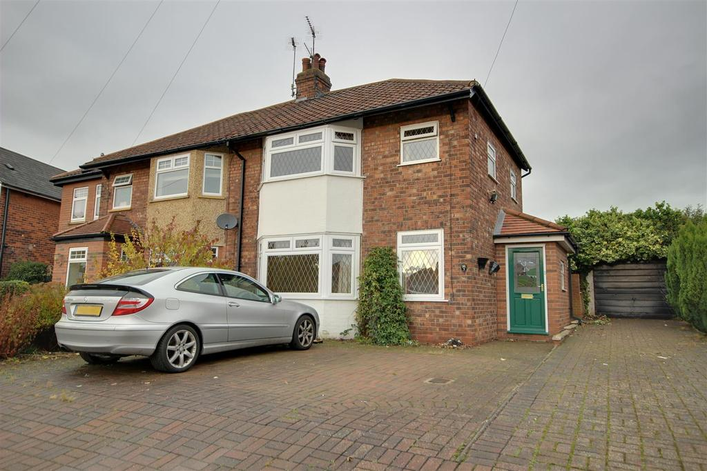 3 Bedrooms Semi Detached House for sale in East Mount, North Ferriby