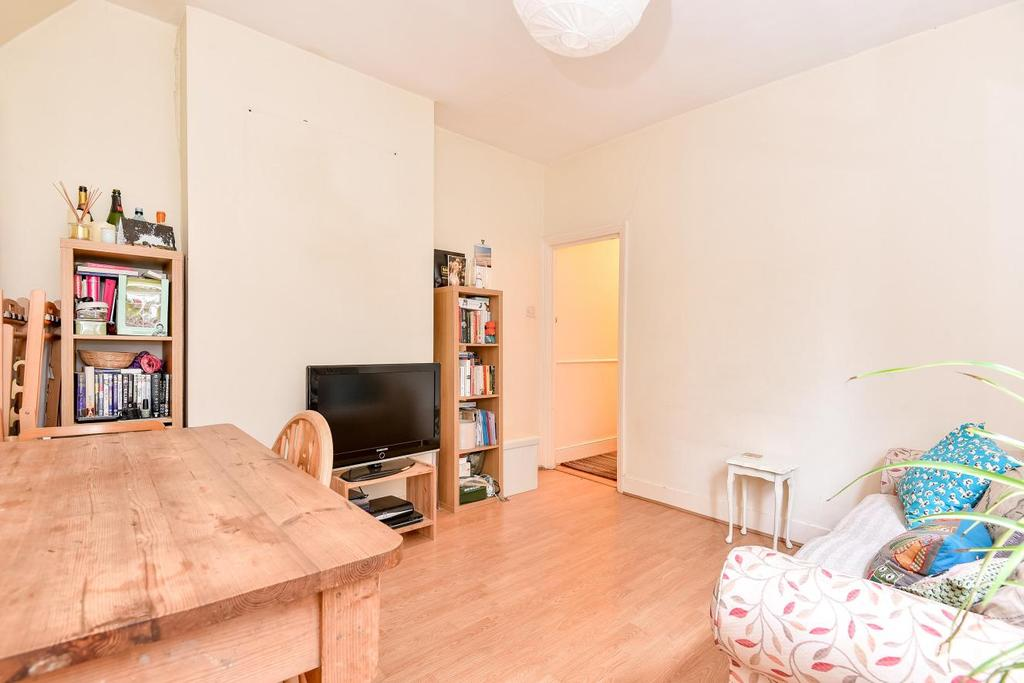 2 Bedrooms Maisonette Flat for sale in Renmuir Street, Tooting