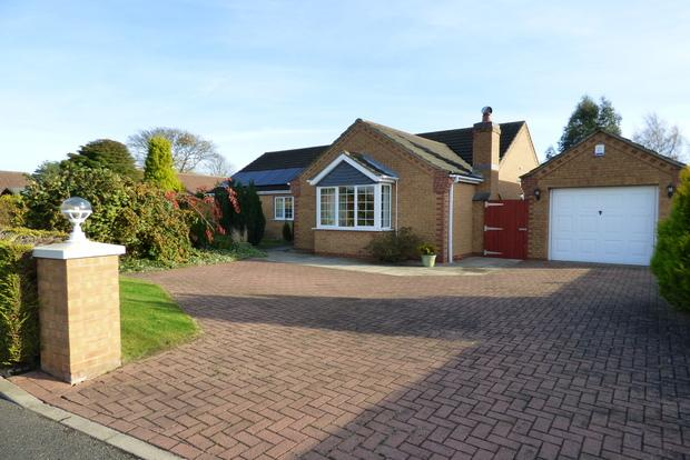 3 Bedrooms Detached Bungalow for sale in Somerfield Drive, North Somercotes, Louth, LN11