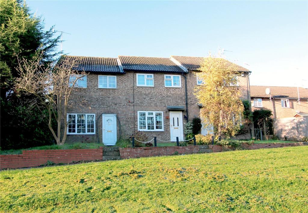 3 Bedrooms Terraced House for rent in Estcots Drive, East Grinstead, West Sussex