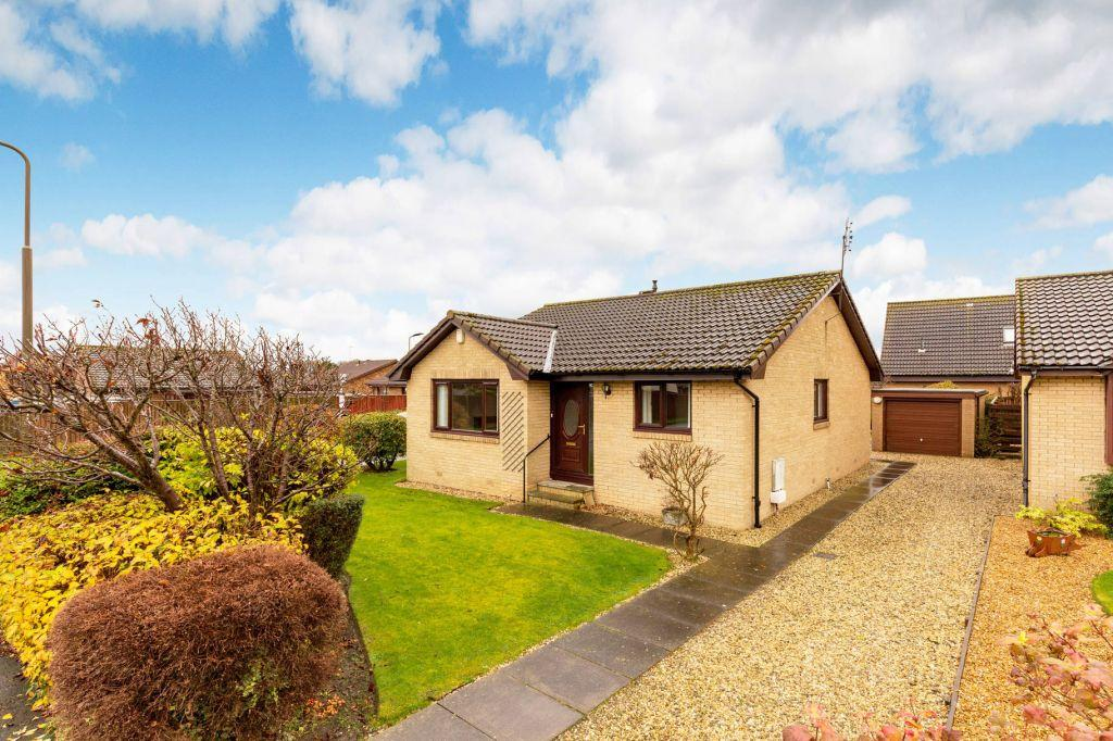 3 Bedrooms Bungalow for sale in 1 Winton Close, Tranent, EH33 2PZ