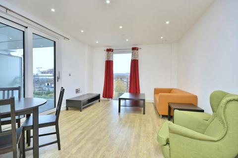 2 bedroom house to rent - Bach House, Wandsworth Road, London, SW8