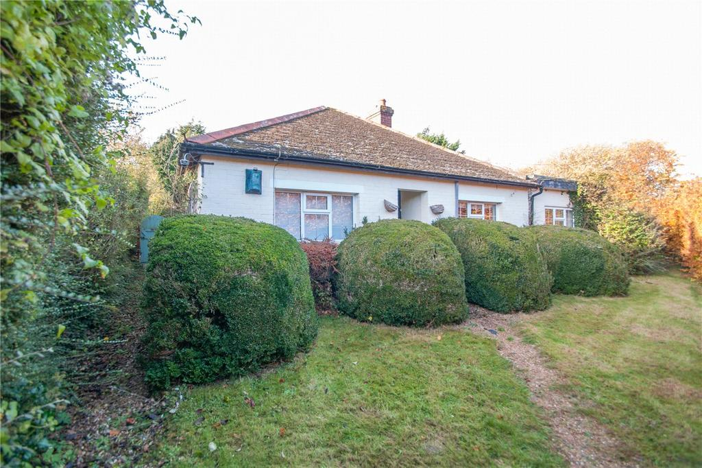 3 Bedrooms Detached Bungalow for sale in School Path, Littlebourne, CT3