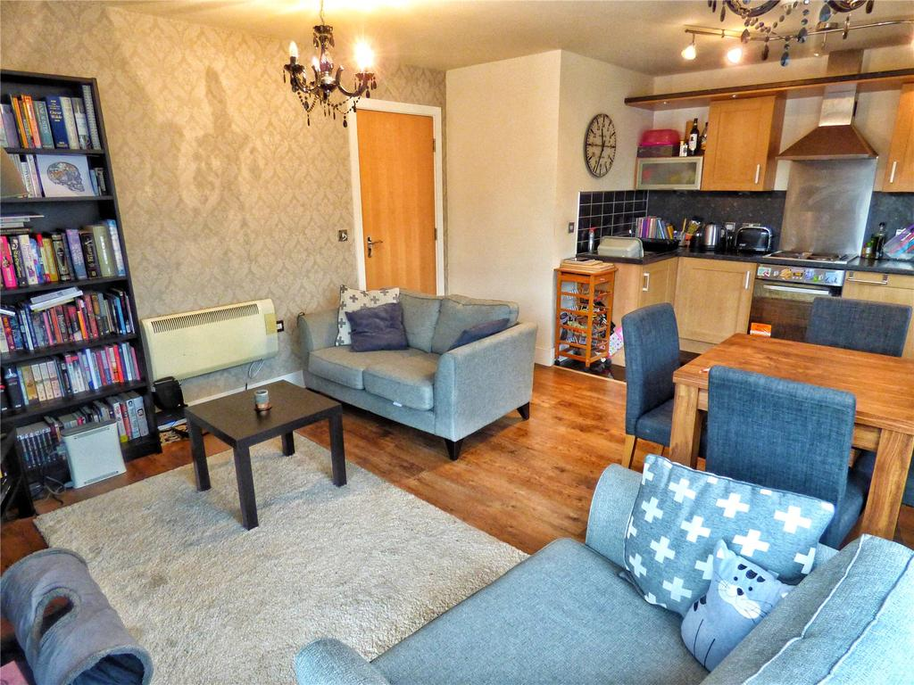 2 Bedrooms Apartment Flat for sale in Annie Smith Way, Birkby, Huddersfield, West Yorkshire, HD2