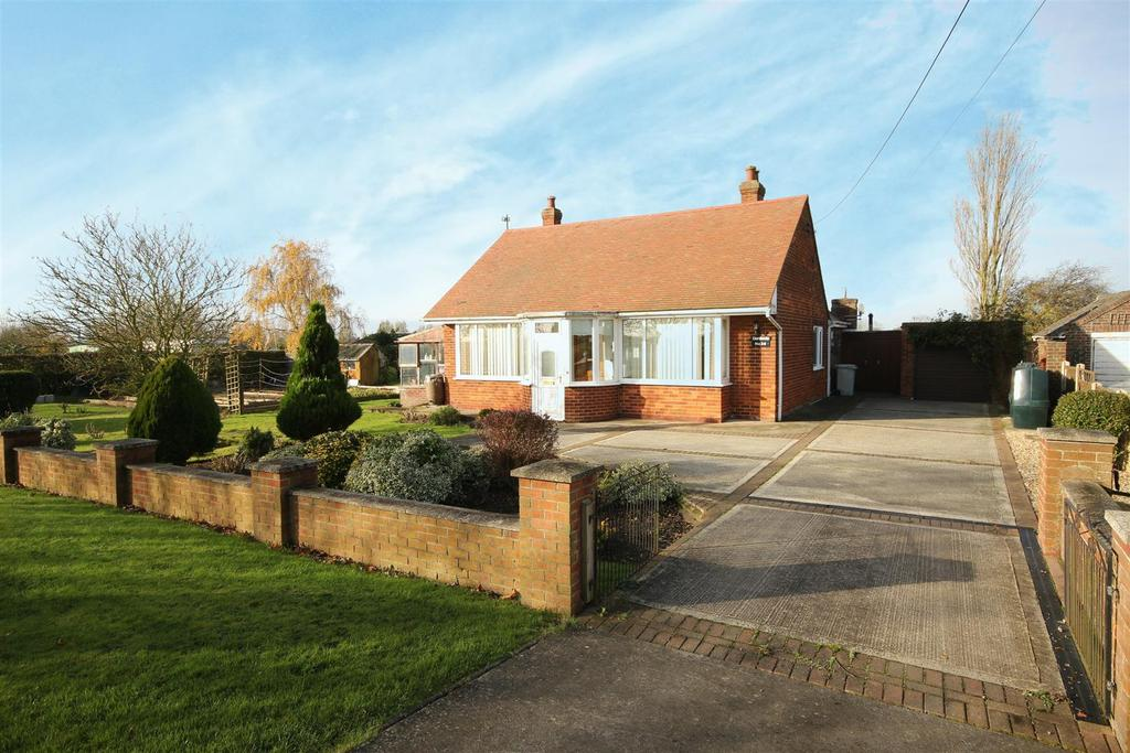 2 Bedrooms Detached Bungalow for sale in 26 Kent Avenue, Theddlethorpe, Mablethorpe