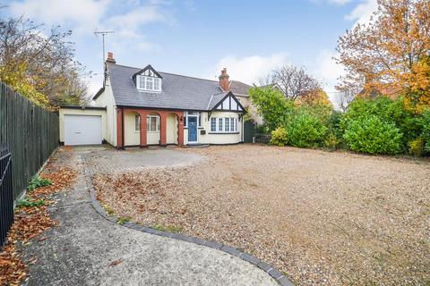 4 bedroom chalet for sale - Maldon Road, Burnham-on-Crouch