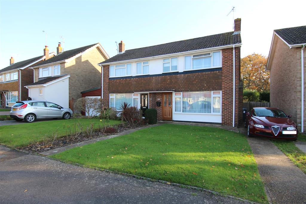 3 Bedrooms Semi Detached House for sale in Orchard Road, Burgess Hill