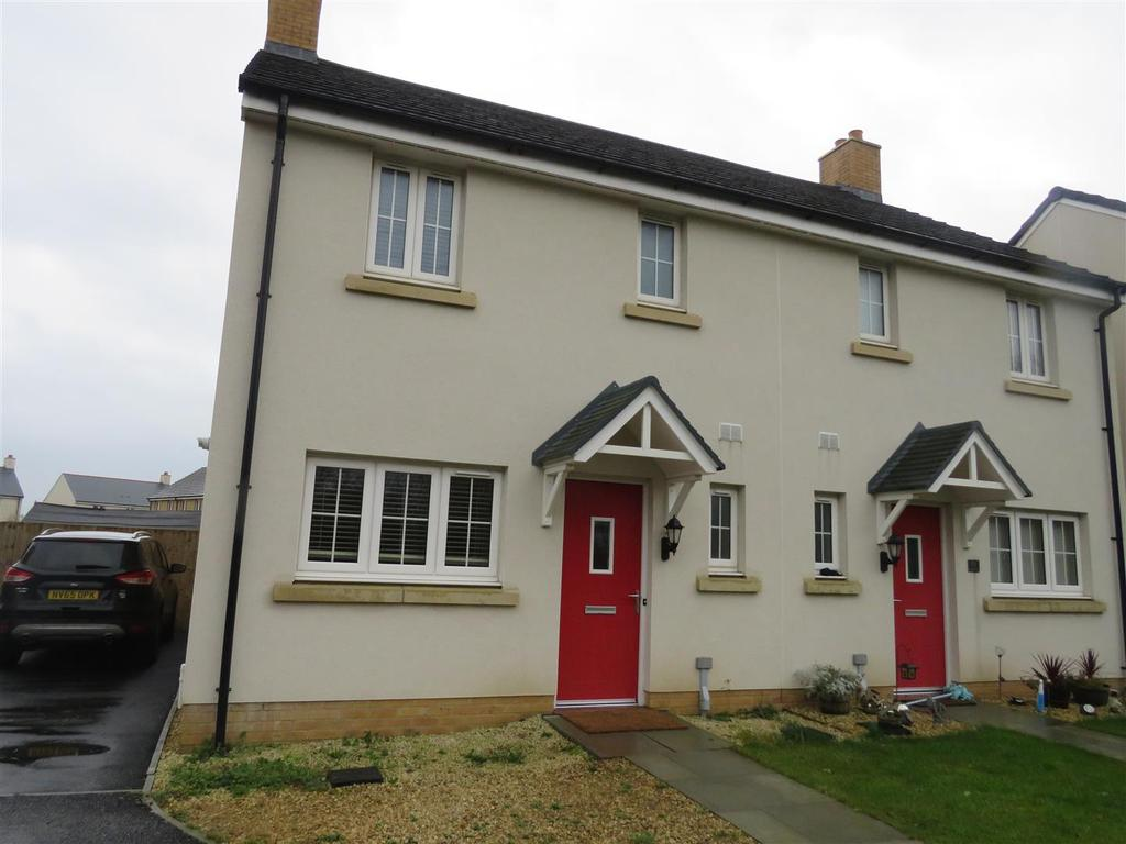3 Bedrooms Semi Detached House for sale in Clos Y Doc, Llanelli