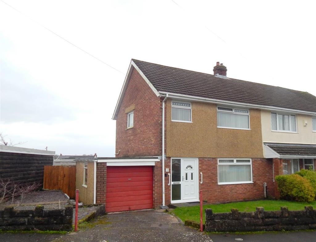 3 Bedrooms Semi Detached House for sale in Plover Close, Treboeth, Swansea