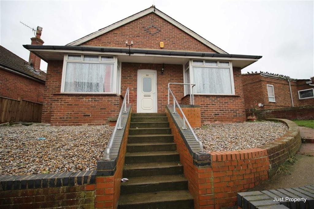3 Bedrooms Detached Bungalow for sale in Sedlescombe Road North, St Leonards On Sea