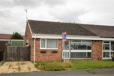 2 bedroom semi-detached bungalow to rent - Bracken Close, Kennington, Ashford
