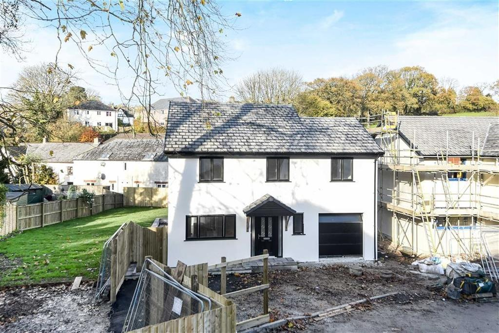 4 Bedrooms Detached House for sale in Chapel Close, Launceston, Cornwall, PL15