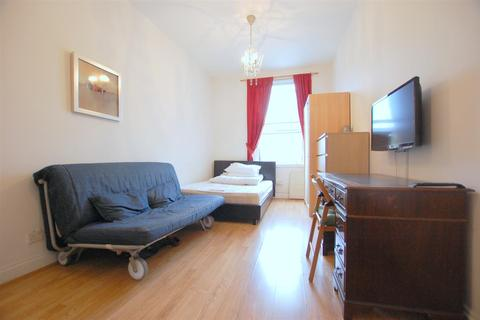 Studio to rent - Finchley Road, London