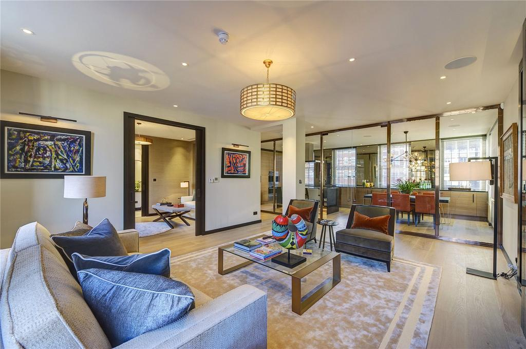 2 Bedrooms Flat for sale in Princes Gate Court, London, SW7