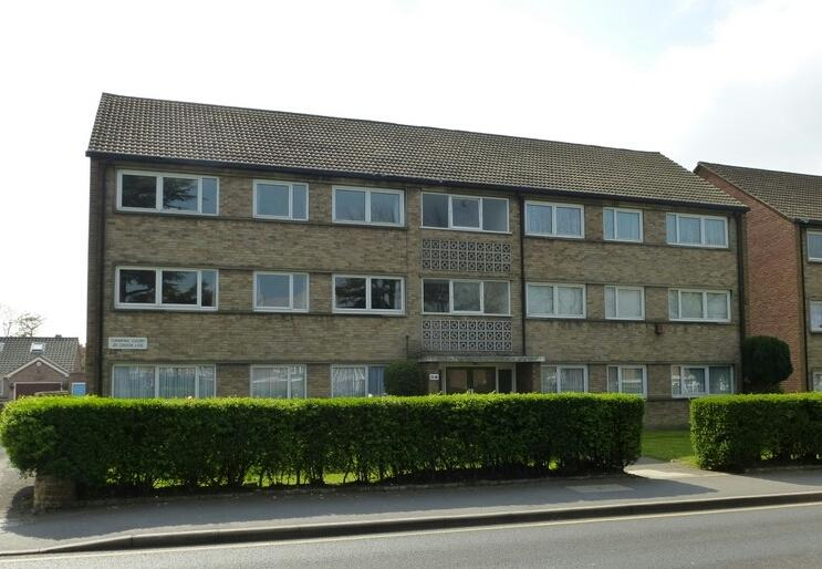 2 Bedrooms Flat for rent in Turnpike Court, Bexley, DA6