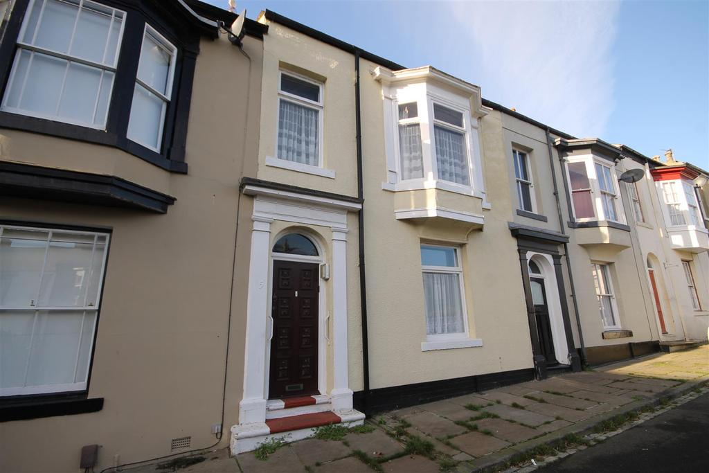 3 Bedrooms Terraced House for sale in Regent Square, Headland, Hartlepool