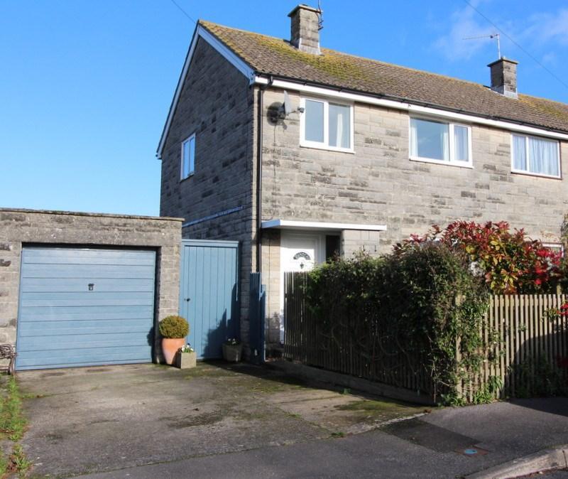 3 Bedrooms Semi Detached House for sale in Sturminster Newton, Dorset