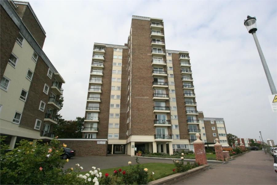 2 Bedrooms Flat for sale in The Esplanade, Frinton on Sea