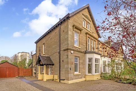 4 bedroom end of terrace house for sale - 694 Anniesland Road, Scotstoun, Glasgow, G14