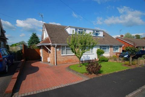 3 bedroom bungalow to rent - Greenfields, Hixon, Stafford, ST18 0NF