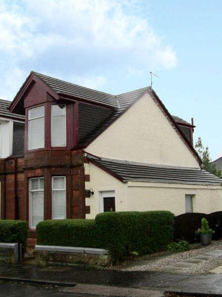 2 Bedrooms Semi-detached Villa House for sale in 62 Barfillan Drive, Glasgow, G52 1BD