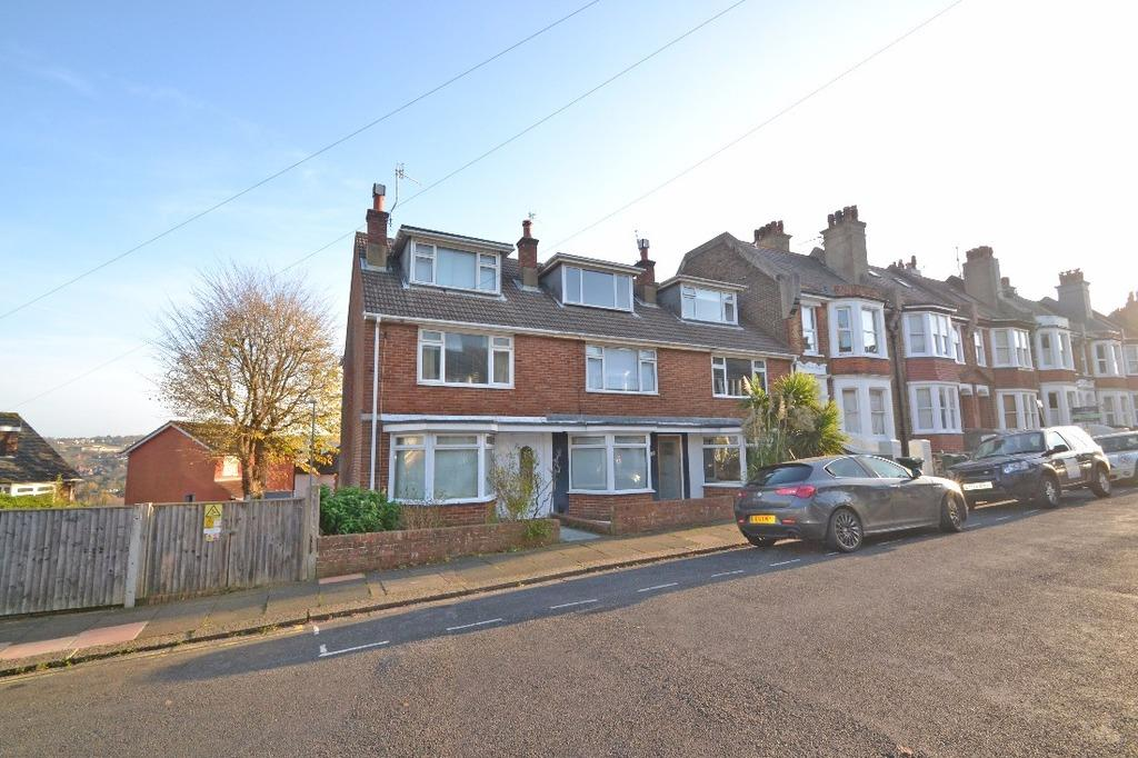 3 Bedrooms End Of Terrace House for sale in Compton Road Brighton East Sussex BN1