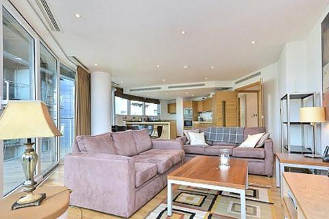 2 bedroom flat to rent - Oswald Building, 374 Queenstown Road, London