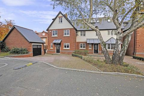 5 bedroom semi-detached house for sale - Vicarage Road, Chelmsford