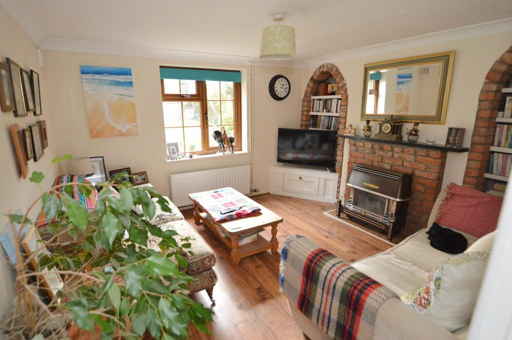 2 Bedrooms Cottage House for sale in South Road, Beccles