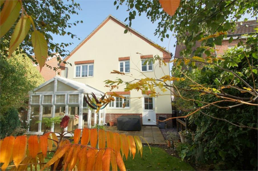 4 Bedrooms Detached House for sale in Weeley Heath, CLACTON-ON-SEA, Essex