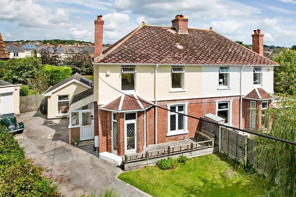 4 Bedrooms Semi Detached House for sale in Chudleigh Road, Kingsteignton, TQ12 3JU