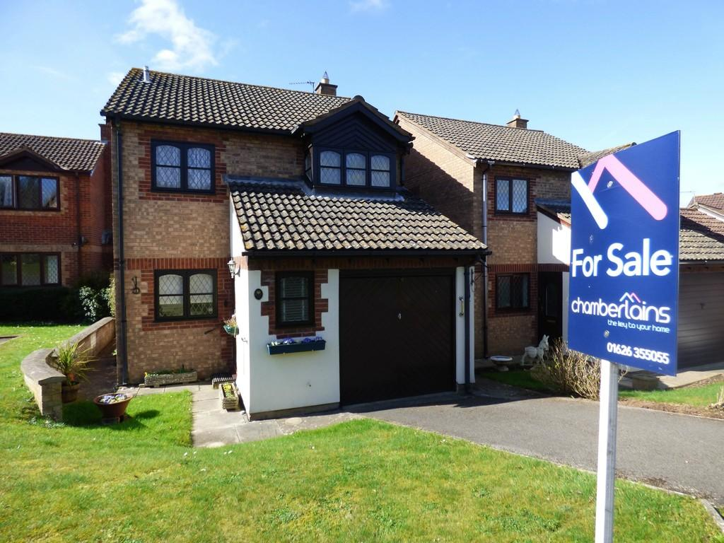 4 Bedrooms Detached House for sale in Ferncombe Close, Kingsteignton, TQ12 3TP