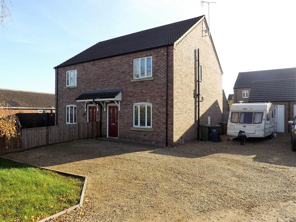3 Bedrooms Semi Detached House for sale in Back Road, Murrow, Wisbech