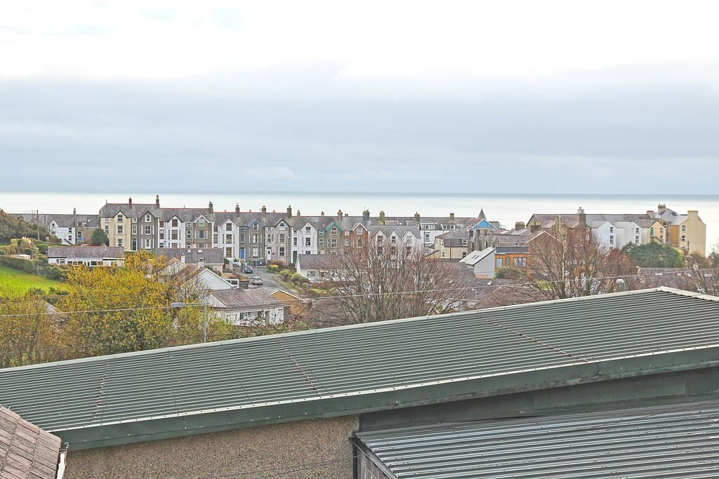 3 Bedrooms Apartment Flat for sale in High Street, Criccieth, North Wales