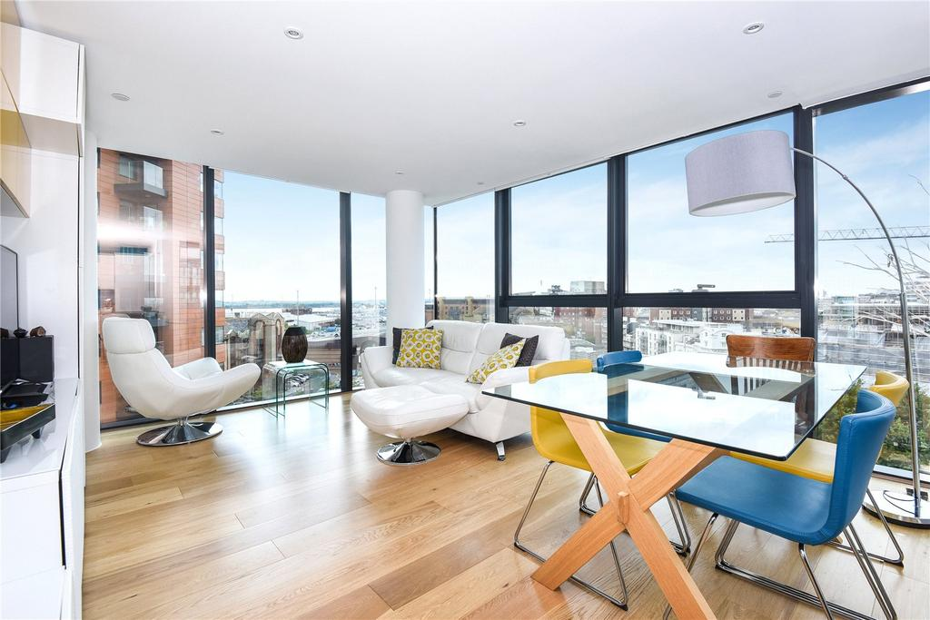2 Bedrooms Flat for sale in The Hawkins Tower, Admirals Quay, Ocean Way, Southampton, SO14
