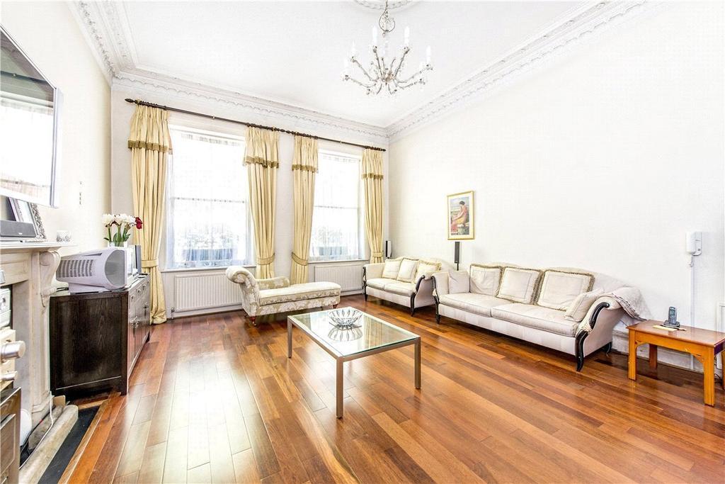 3 Bedrooms Maisonette Flat for sale in Palace Gate, Kensington, London, W8