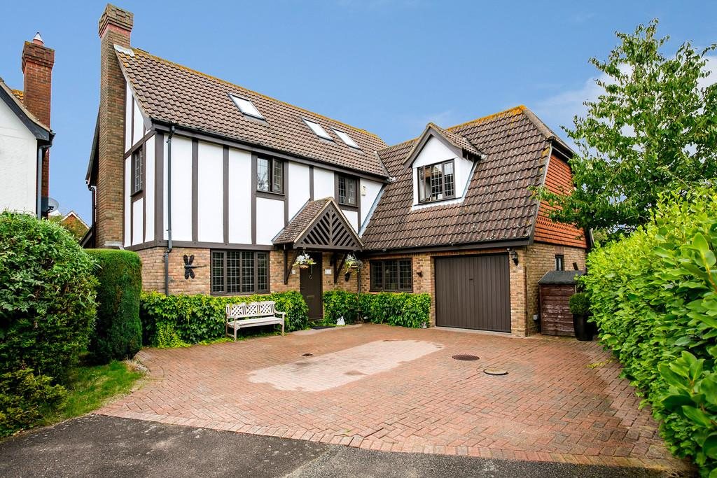 6 Bedrooms Detached House for sale in Lapins Lane, Kings Hill